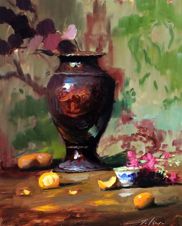 A photo of an original oil painting on panel of a still life painting of a grand vase with little things.